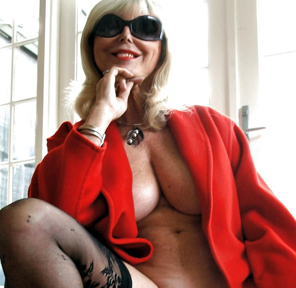 Смотреть блондинка онлайн
