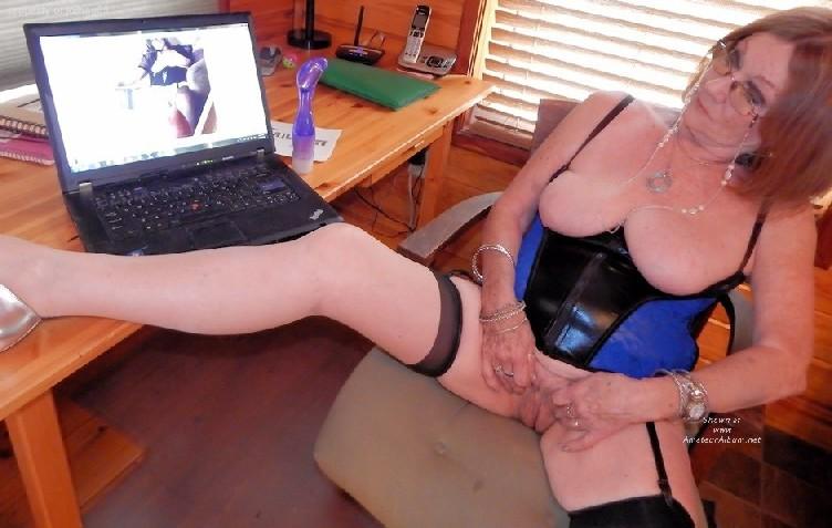 Смотреть женщина онлайн