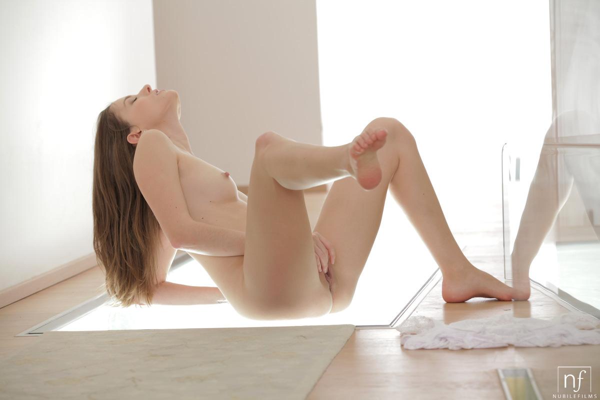 Смотреть эротичный онлайн