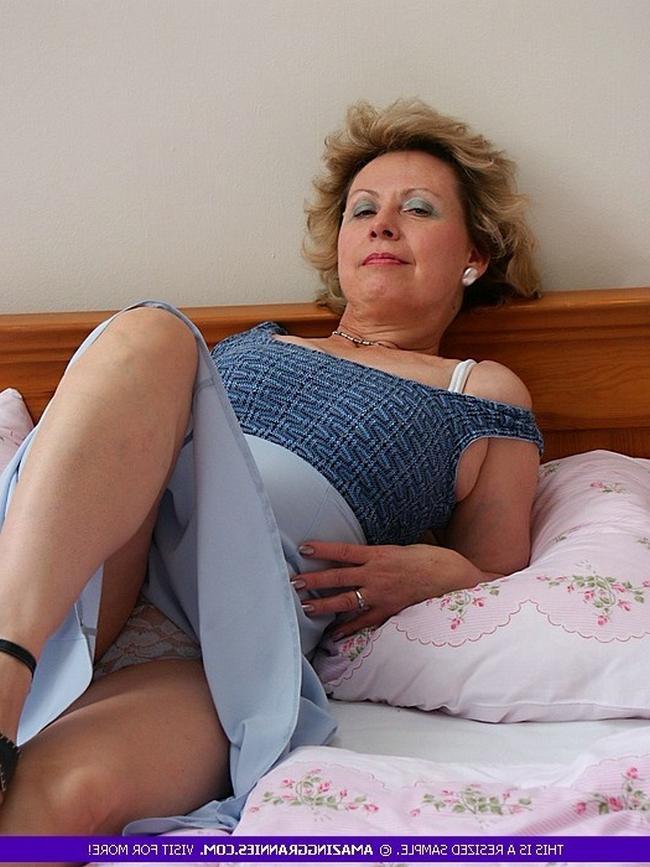 Смотреть бабулька онлайн
